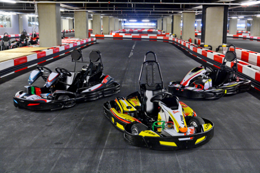 Забавление на високи скорости в Sofia Karting Ring